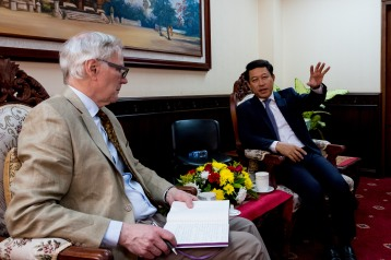 The Special Rapporteur meeting with the Foreign Minister of Lao PDR. © Bassam Khawaja 2018
