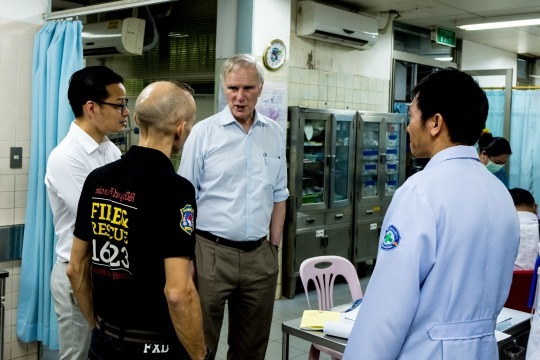 The Special Rapporteur visits a hospital in Vientiane. © Bassam Khawaja 2018