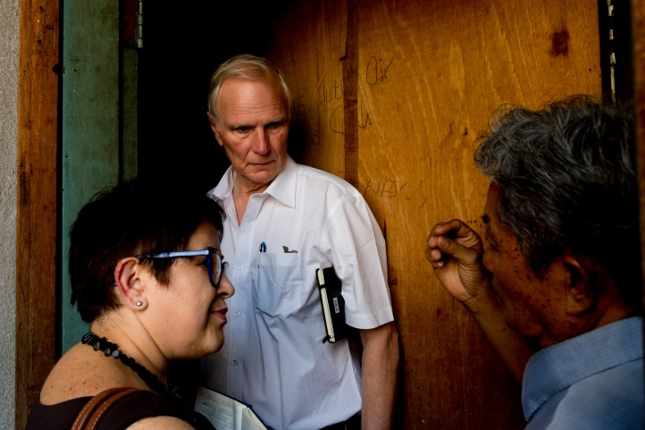 The Special Rapporteur visits low income apartments in Kuala Lumpur. © Bassam Khawaja 2019