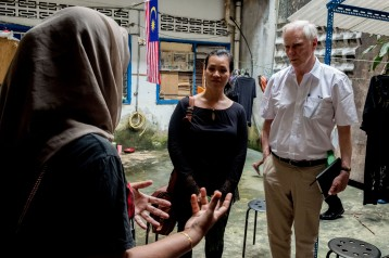 The Special Rapporteur meets with low income families in Kuala Lumpur. © Bassam Khawaja 2019
